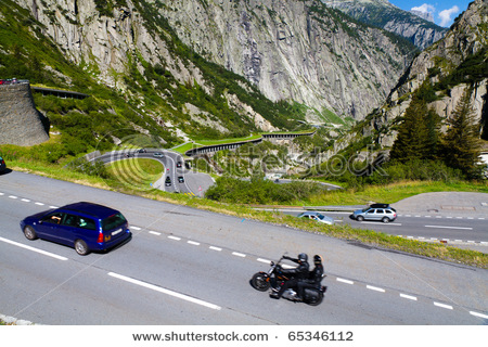 Име:  stock-photo-andermatt-august-endless-rows-of-cars-cross-alpine-gotthard-pass-august-in-andermatt.jpg Прегледи: 77 Размер:  97.6 Кб
